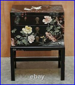 Lovely Japanese Black Lacquer Side Table On Stand Hand Painted With Crane Birds